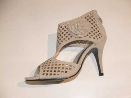 shoes size 3 4 7 high heel shoes last pair in