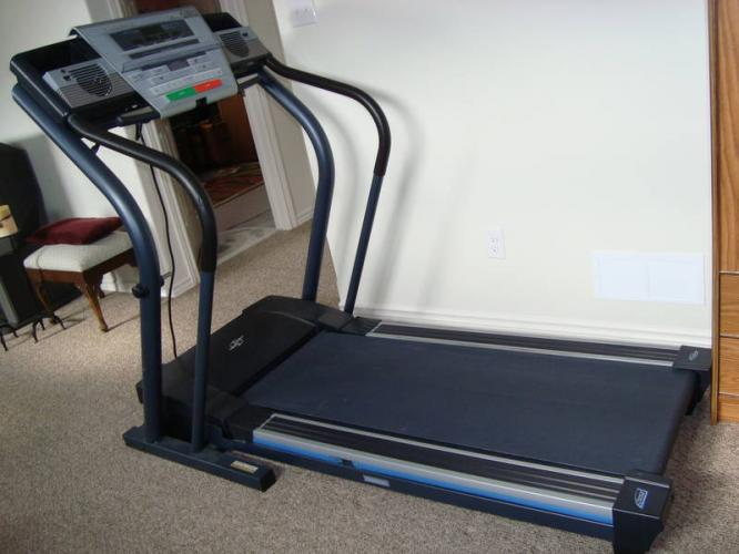 Exercise Machines Nordictrack C2000 Treadmill Was Sold
