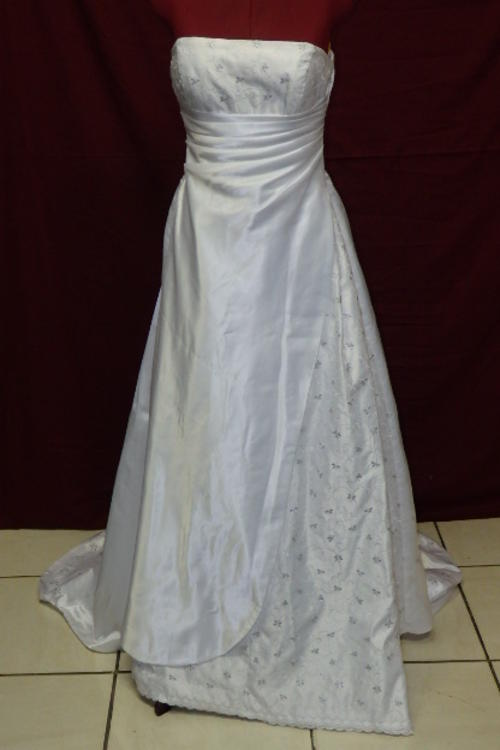 Secondhand wedding dresses for sale wedding dresses asian for Cheap wedding dresses in orange county