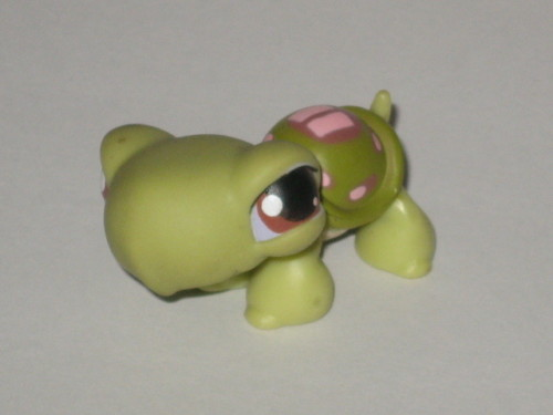 other collectable toys   only 2 littlest pet shop