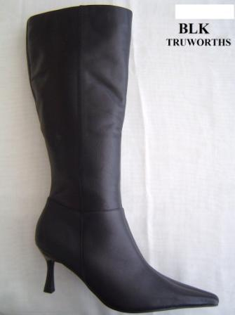 Shoes - Truworths - Ladies Leather Winter Boots - Size 6